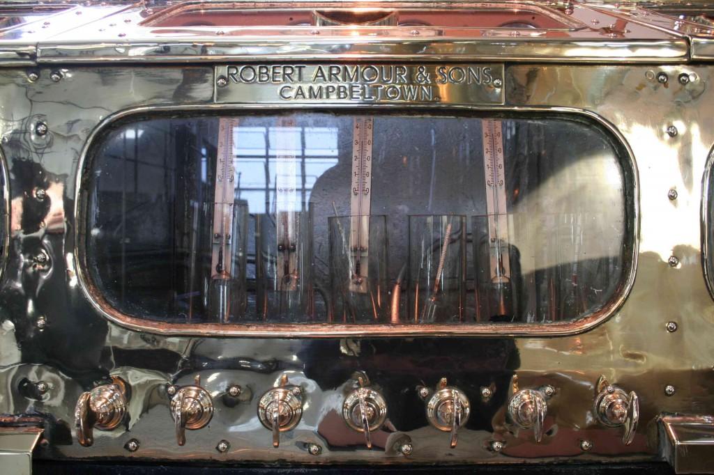 Detail van de spirit safe, een pronkstuk van meer dan 100 jaar oud.